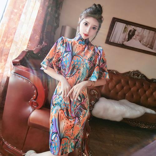 小女人复古旗袍包臀喇叭袖连衣裙印花立领盘扣ktv足浴