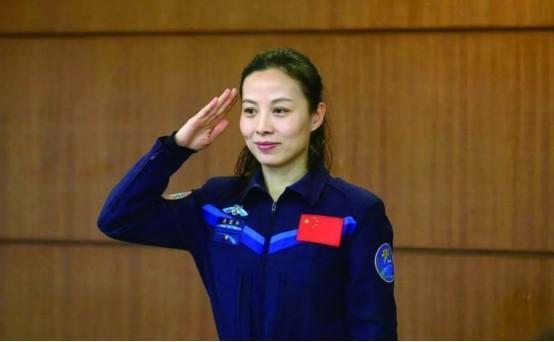 一共有2位分别是刘洋和王亚平这两位女航天员都曾经出色执行过太空