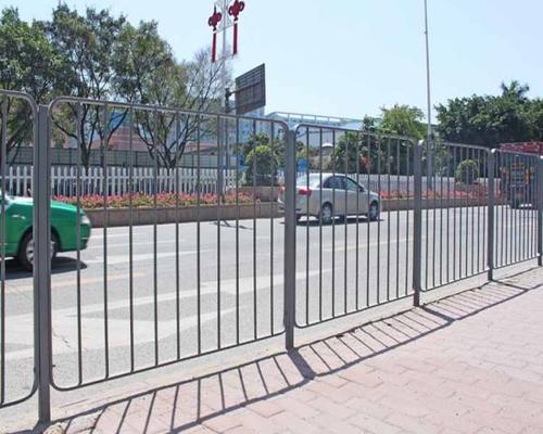 深圳人行道港式护栏定制东莞机动车道深标护栏厂家