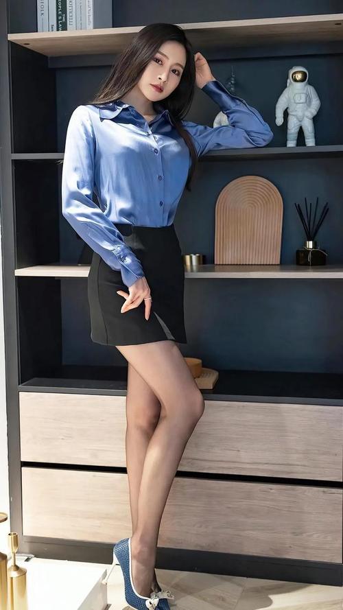 丝袜美腿制服美女